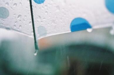 提醒雨季赴泰中国游客注意涉水安全